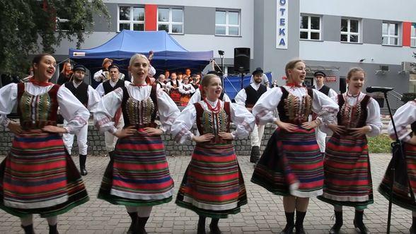 Ludowy Zespół Pieśni i Tańca Skowronki z Brańska