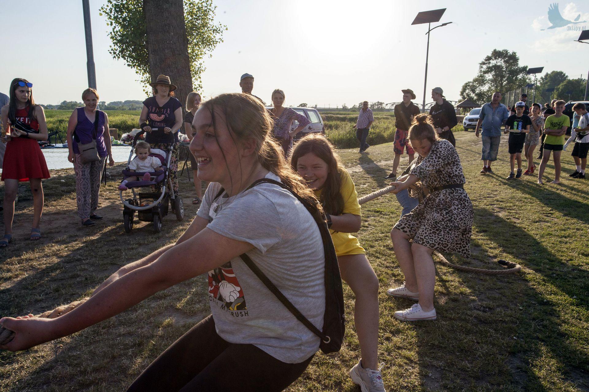piknik rodzinny na plaży w Uhowie Sobótka 2021